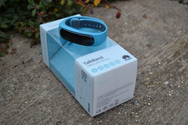 Krabička, ve kterém nám Huawei TalkBand B1 dorazil