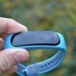 Huawei TalkBand B1 – v ruce (1)