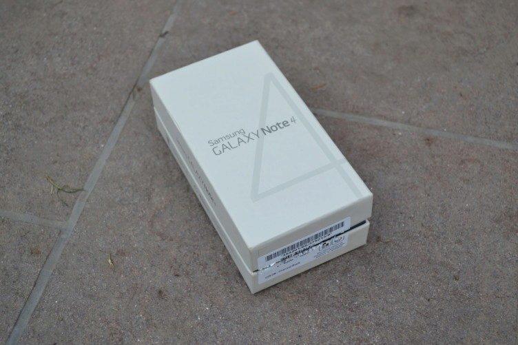 Krabička, ve které Samsung Galaxy Note 4 dorazil