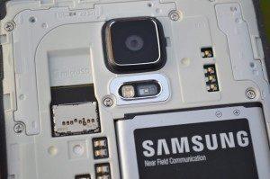 Samsung Galaxy Note 4 - senzory a MicroSD