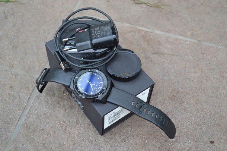 LG G Watch R -  obsah balení