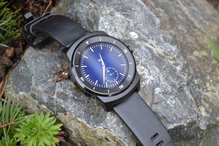LG G Watch R - prezentace (1)