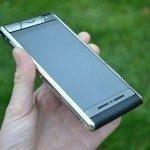 Vertu Aster – přední strana telefonu (3)