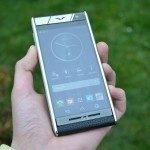 Vertu Aster – přední strana telefonu, displej (2)
