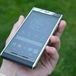 Vertu Aster – přední strana telefonu, displej (4)