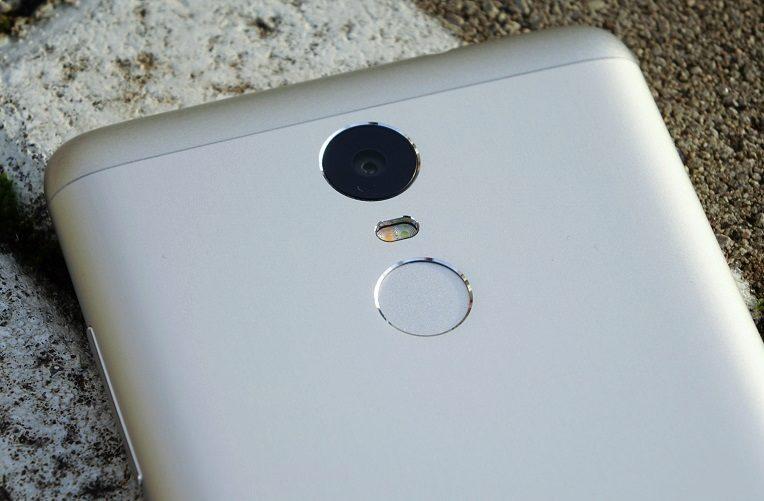 Xiaomi-Redmi-Note-3-konstrukce-čtečka-otisků-prstů