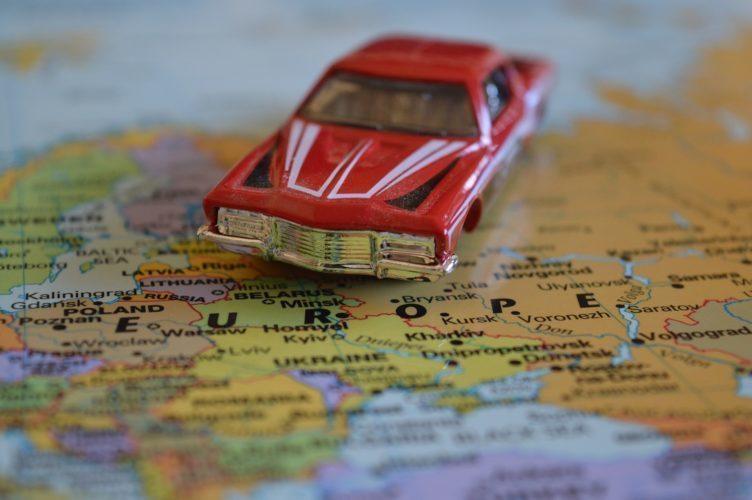 O aktualizace, opravy a úpravy map se starají dobrovolní editoři