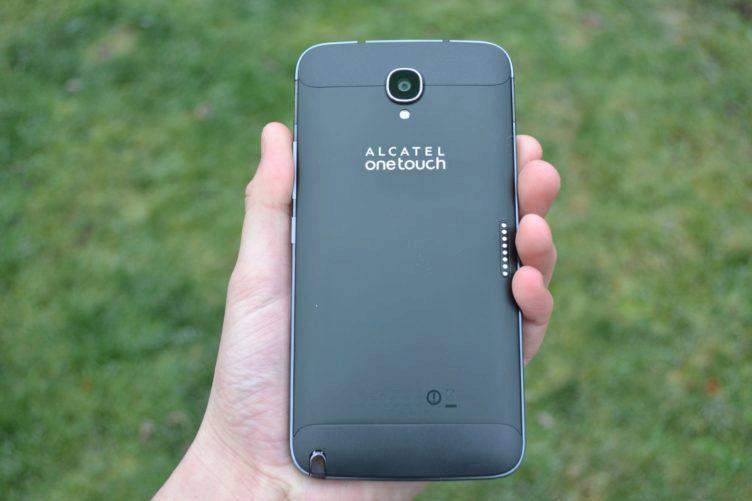 Alcatel One Touch Hero 2 - zadní strana telefonu (2)