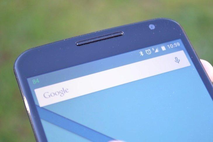 Nexus 6 - horní reproduktor