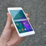 Samsung Galaxy A5 – přední strana telefonu (4)