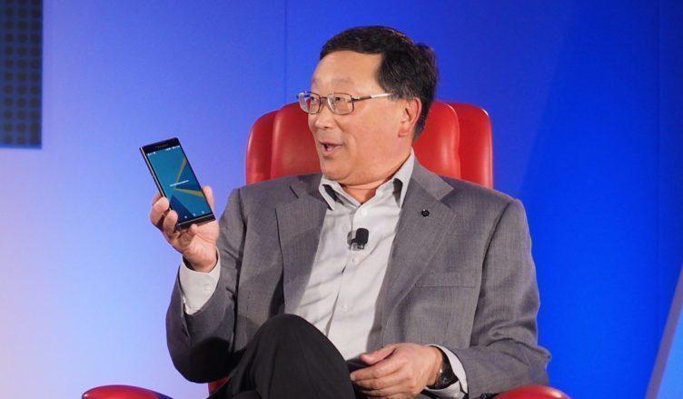 John Chen světu představuje první BlackBerry s OS Android