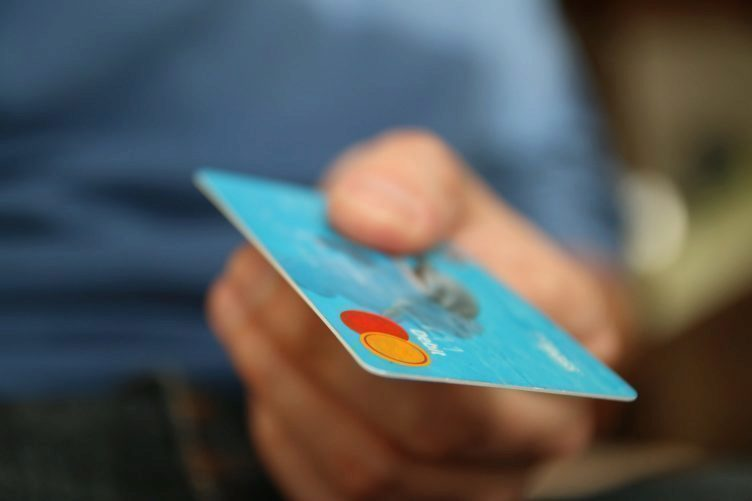 Kolik jste zaplatili za svůj současný telefon?