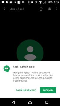 Tímto dialogem aplikace Hangouts informuje o změně