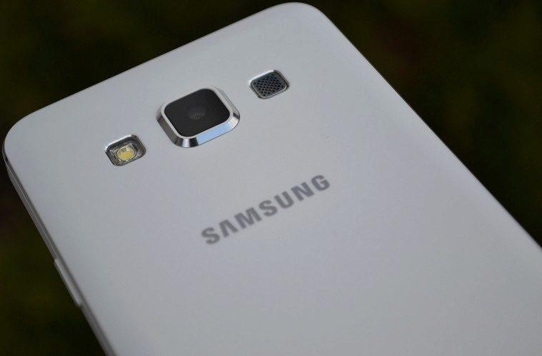 Samsung Galaxy A3 – náhledový obrázek (1)