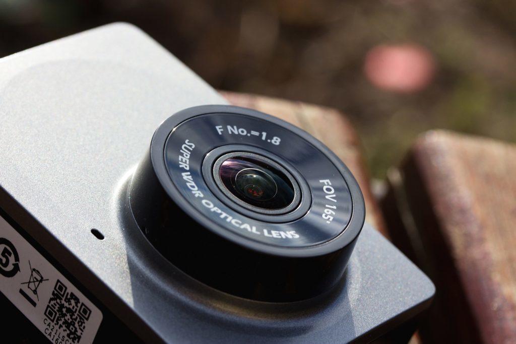 Xiaomi-Yi-Dash-Camera-čočka
