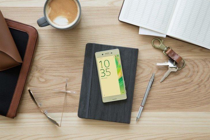 Společnost Sony představila nejen telefony, ale i příšlušenství