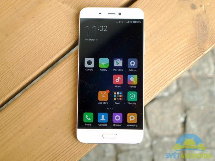 Xiaomi Mi5 - konstrukce, přední strana
