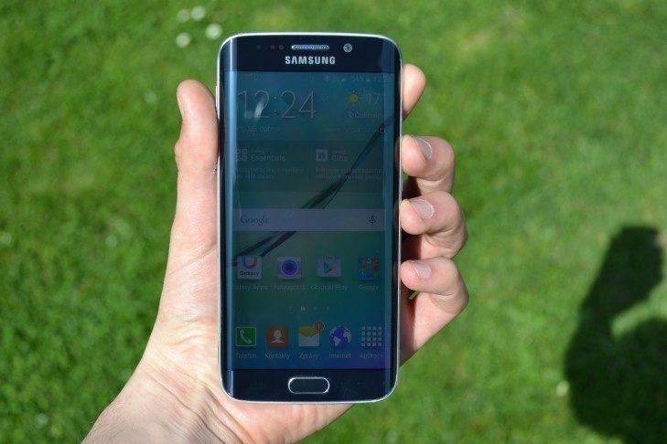 Samsung Galaxy S6 Edge - přední strana telefonu (3)