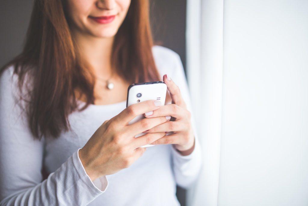 Vypnutím telefonu baterii rozhodně neuškodíte