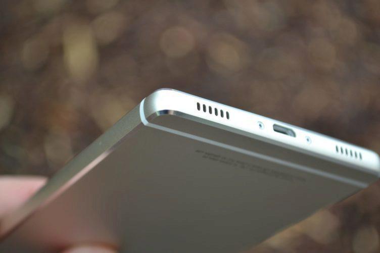 Huawei P8 - reproduktor