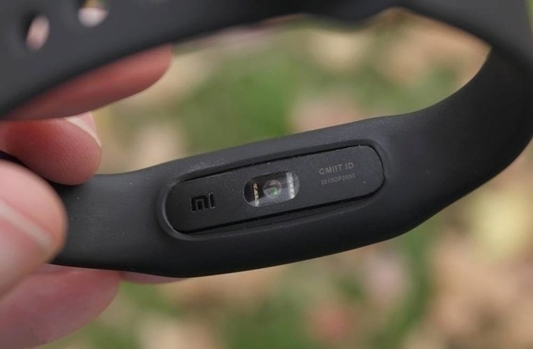 Xiaomi-Mi-Band-Pulse-review-photo-03