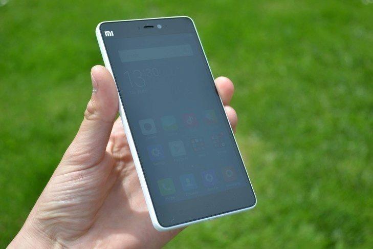 Xiaomi Mi4i - konstrukce, přední strana (1)