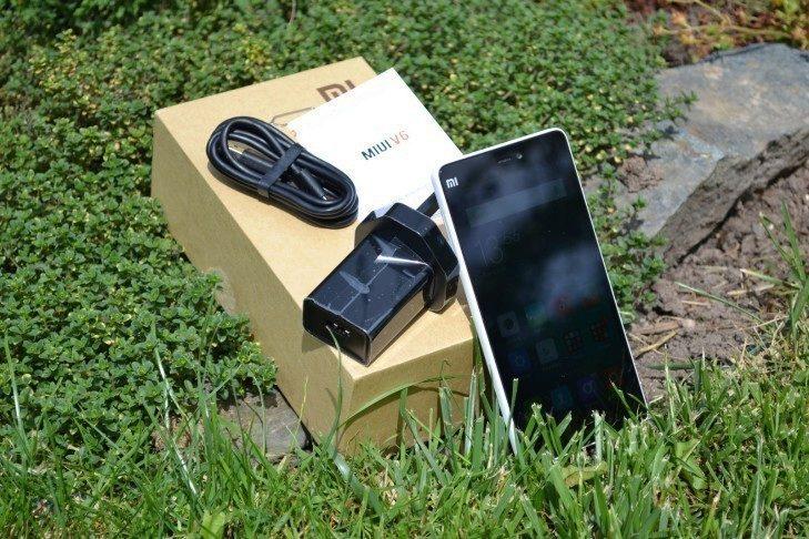 Xiaomi Mi4i - obsah balení