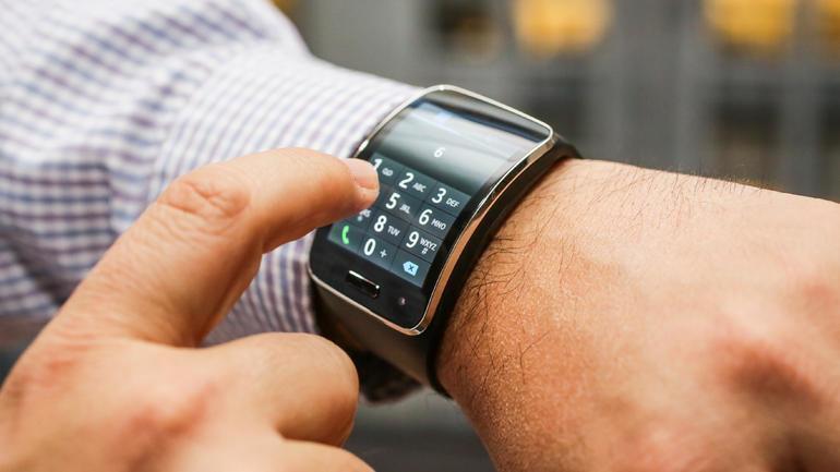 chytré hodinky samsung-galaxy-gear-s-21