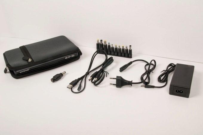 Kabely a konektory pro připojení všech myslitelných druhů zařízení
