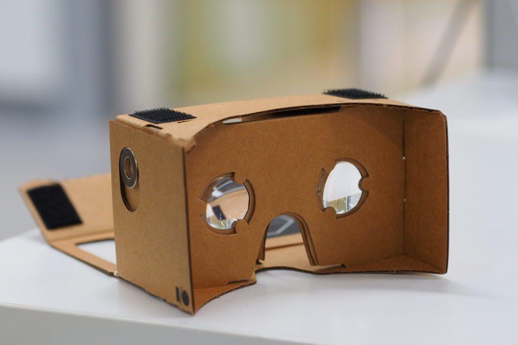 Nejlevnější virtuální realita: Google Cardboard