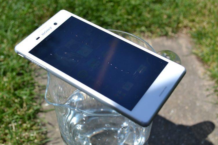 Sony Xperia M4 Aqua - konstrukce telefonu