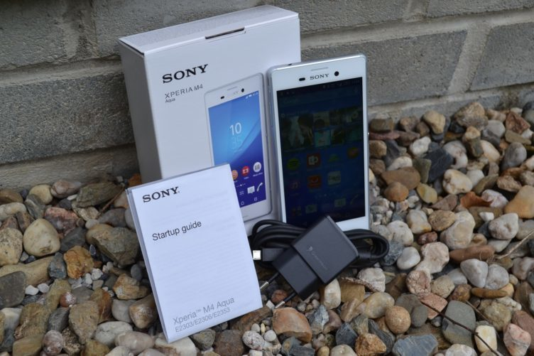 Sony Xperia M4 Aqua - obsah balení