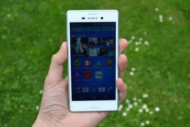 Sony Xperia M4 Aqua - přední strana telefonu (1)