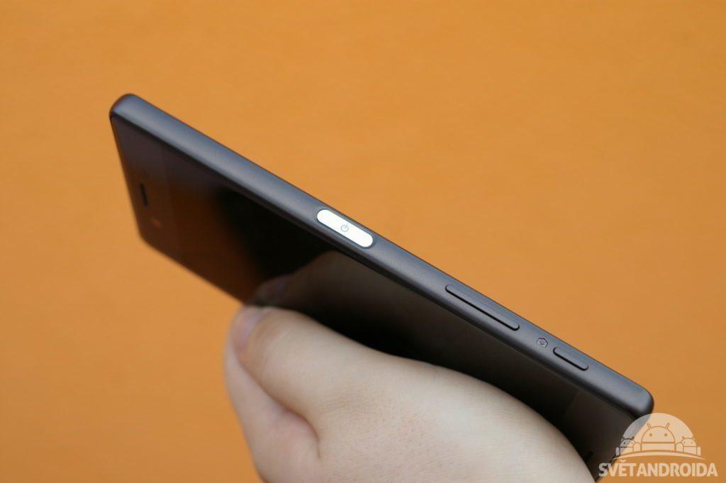 Sony Xperia X tlačítka