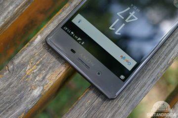 Sony Xperia X vrchní okraj