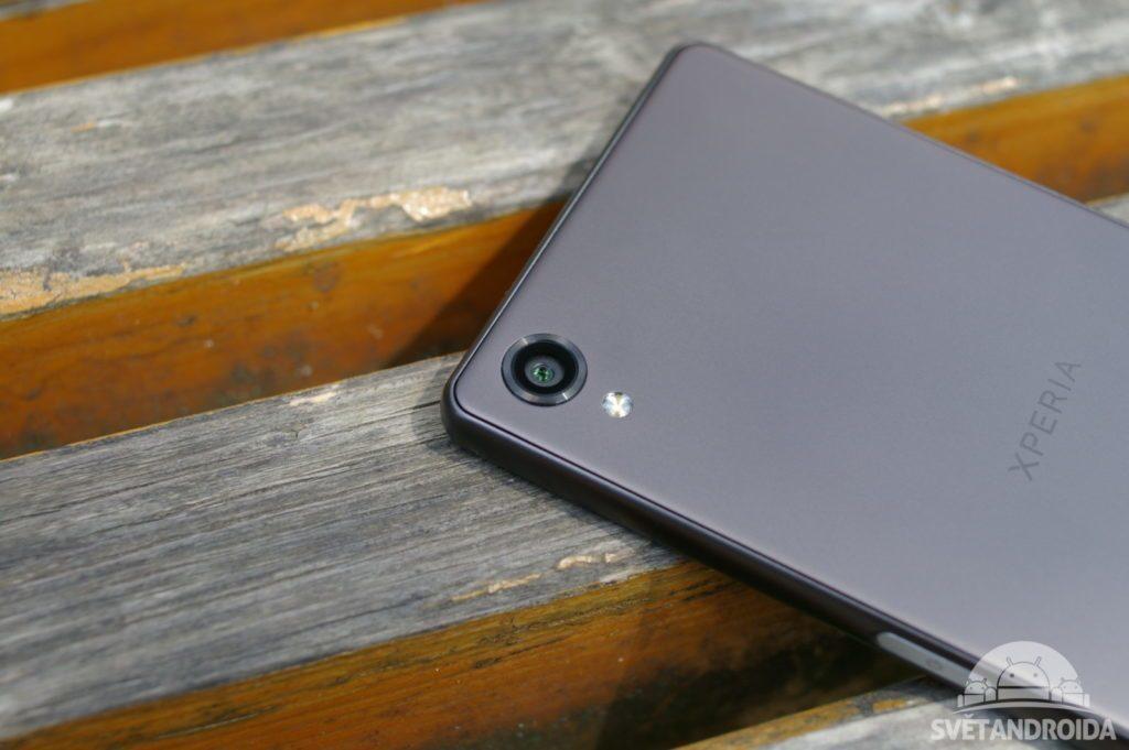 Sony Xperia X zada fotoaparat