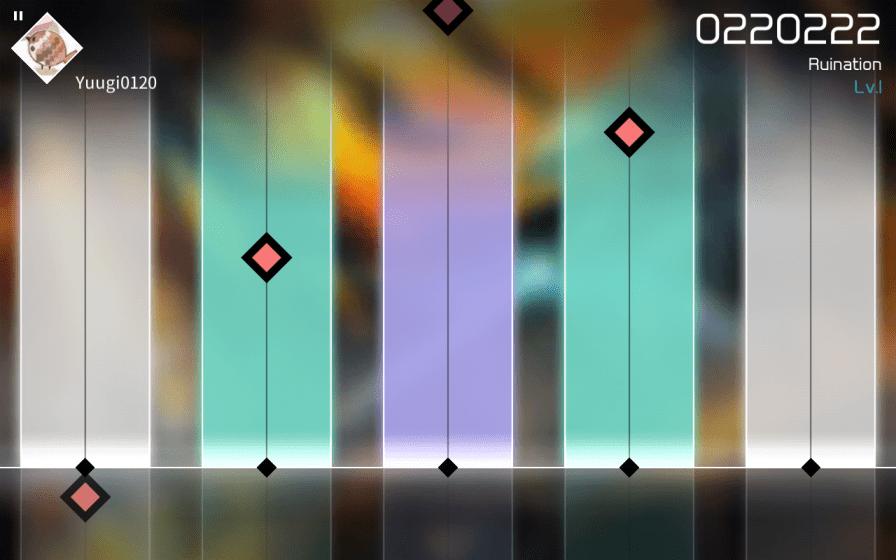 VOEZ - Piano Tiles s elektronickou hudbou (10)