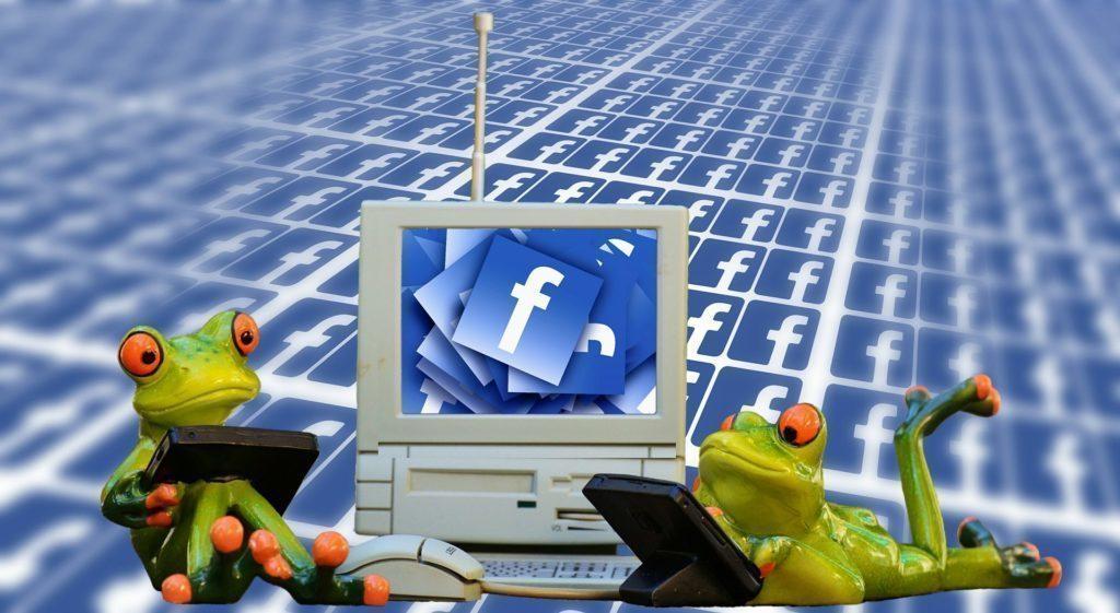 """Facebook se brání obvinění: """"Ne, hovory neposloucháme!"""""""