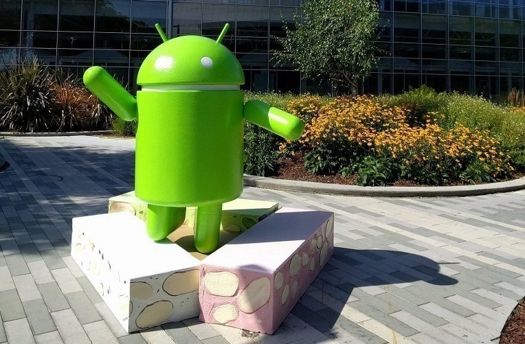 Android-Nougat-Statue-e1467611722842