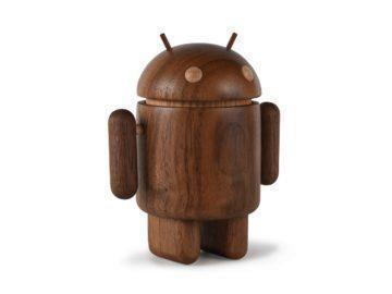 Dead Zebra chystá unikátní dřevěné figurky Androidu za 3000 Kč