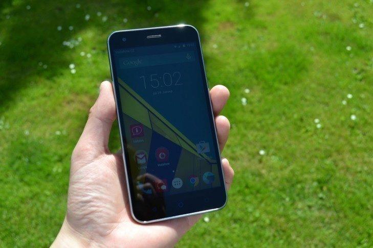 Vodafone Smart ultra 6 - konstrukce, přední strana (1)