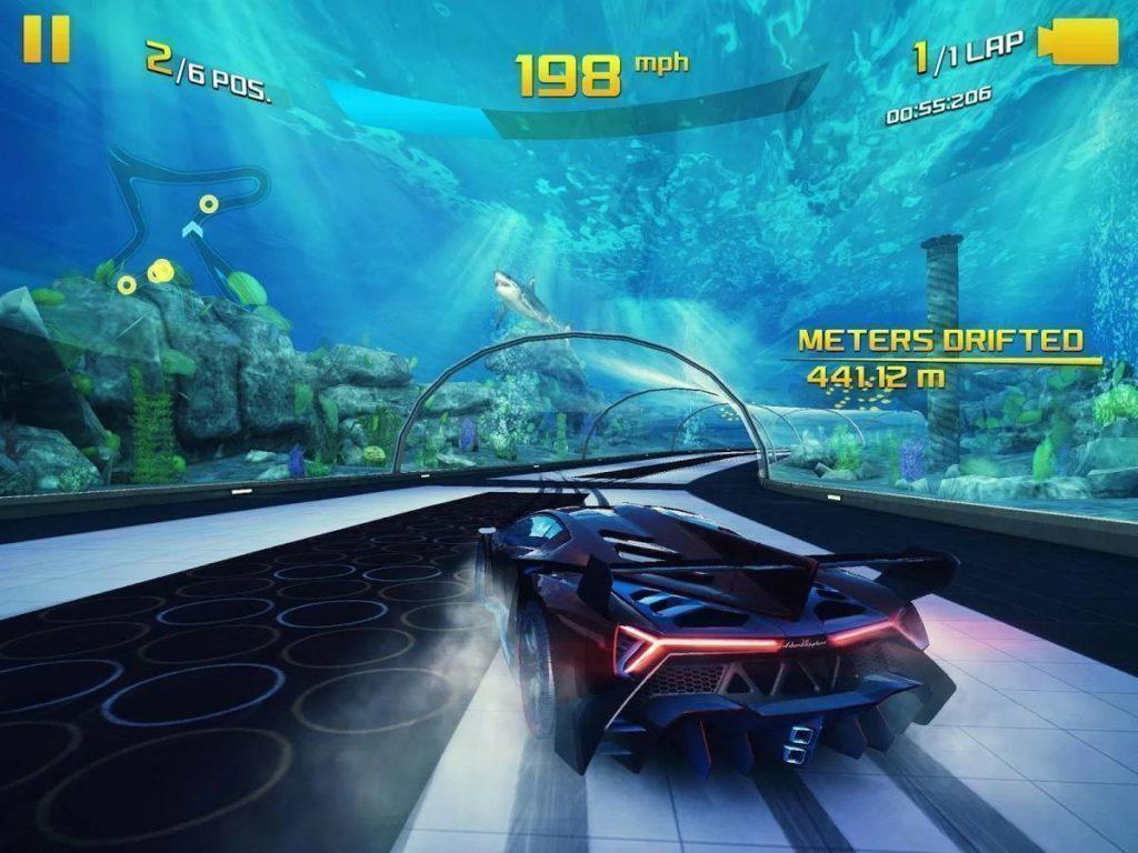 Asphalt 8 - gamepad z Xboxu