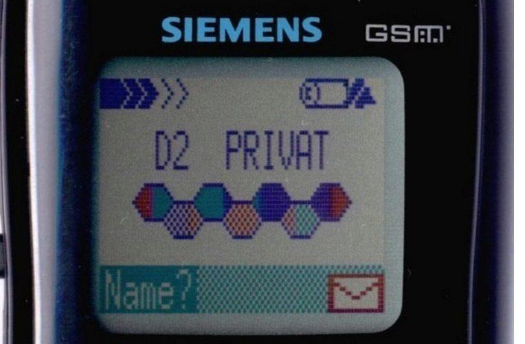 prvni telefon s barevnym displejem