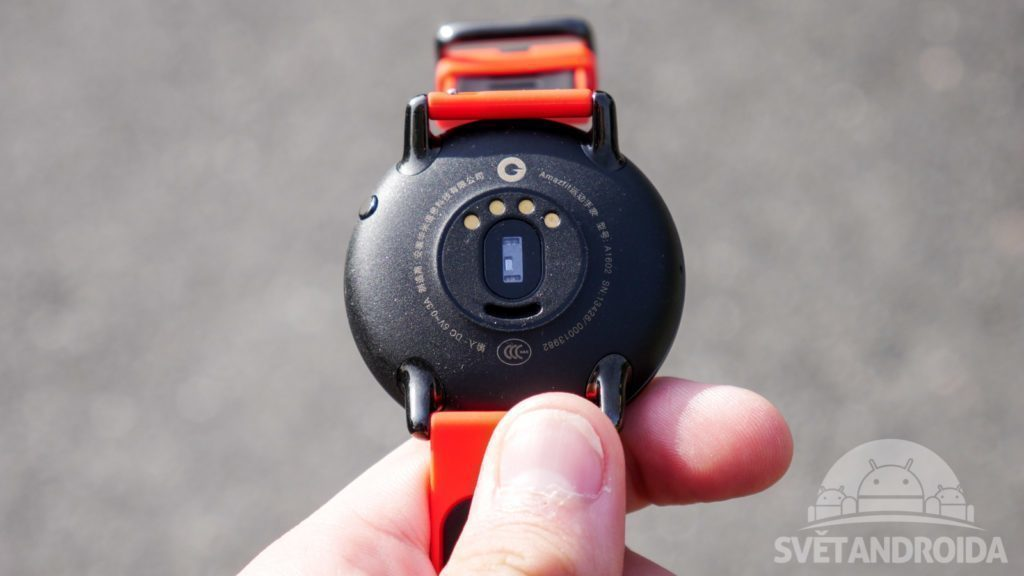 chytre-hodinky-xiaomi-huami-amazfit-konstrukce-zadni-strana