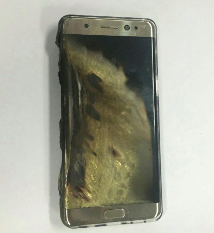 Galaxy Note 7 po zahoření během nabíjení