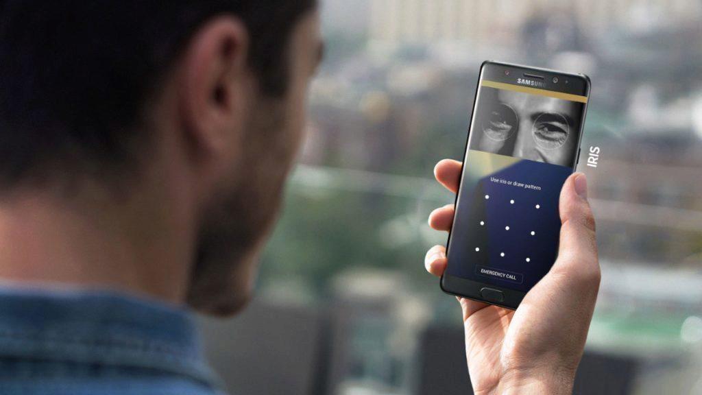 Note 7 je vybaven skenerem duhovky, který čistá verze Androidu neumí využívat
