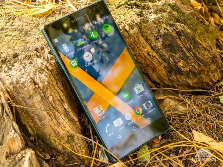 Sony Xperia Z5 - konstrukce, rámečky