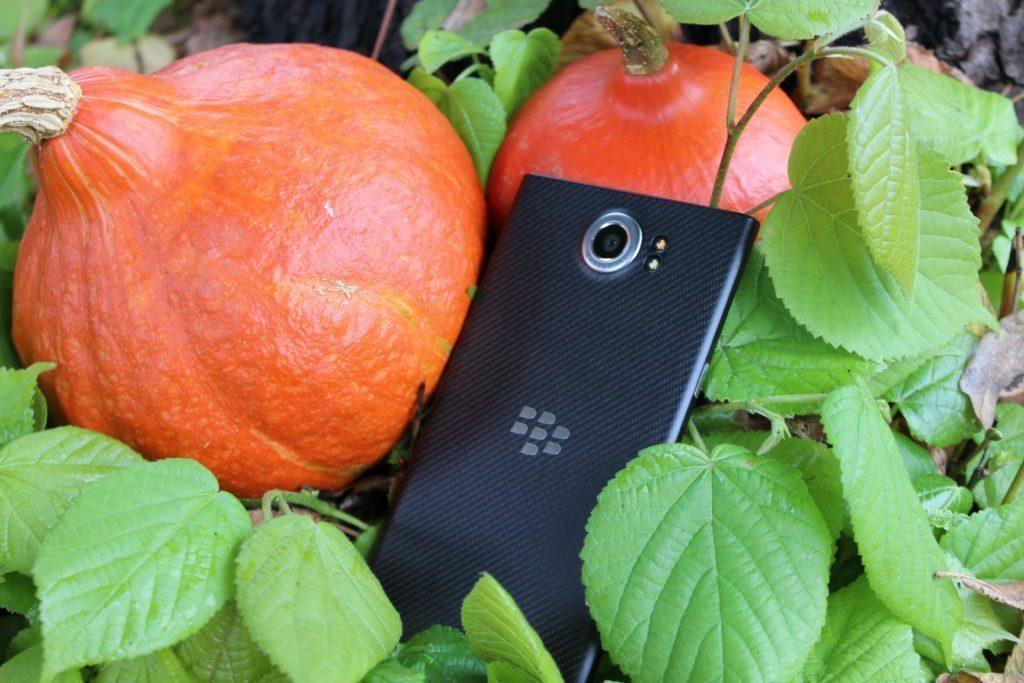Zadní strana telefonu BlackBerry Priv