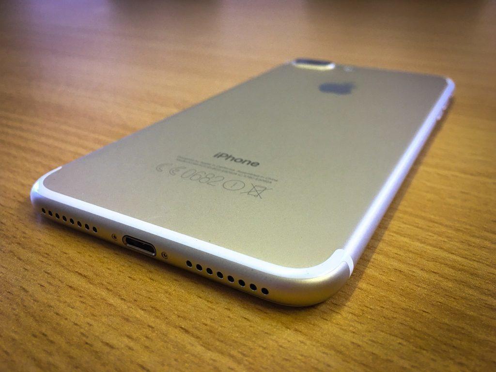 iPhone 7 už nemá konektor na sluchátka