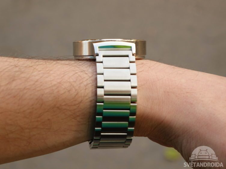 Huawei Watch - konstrukce, z boku